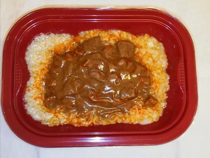 Q3 Marhapörkölt jázmin rizzsel