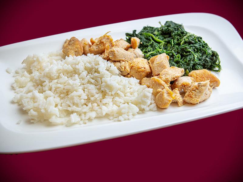 Q7 Roston csirkemell - Jázmin rizs - fokhagymás spenót